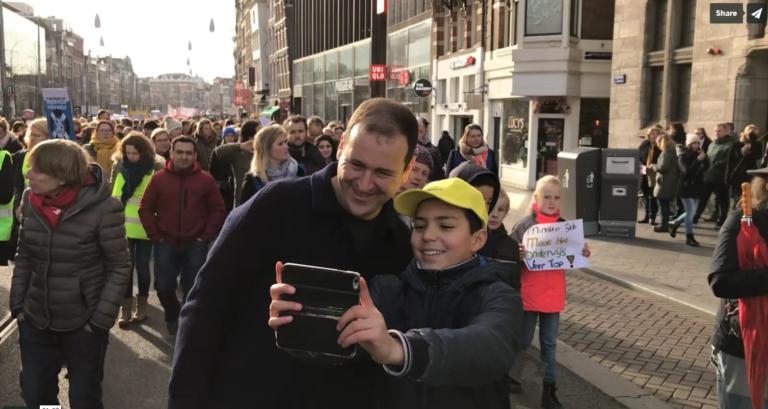 Kinderburgermeester Ilias & Lodewijk Asscher op de Onderwijsstaking 2020!